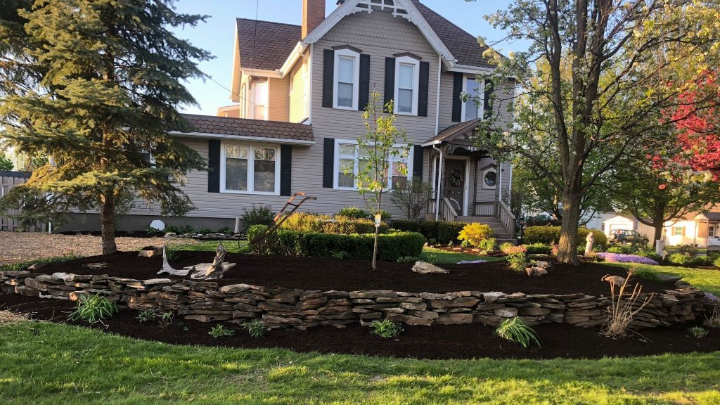Feature Garden Rock Container Prackos Landscaping